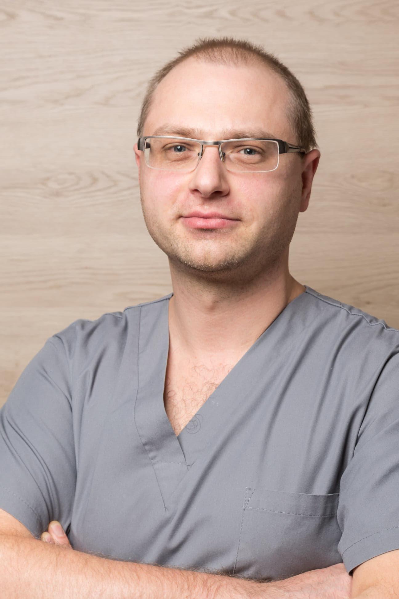 doktor specjalista ortopedii Mikołaj Dąbrowski