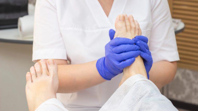 Pedicure leczniczy a pedicure kosmetyczny